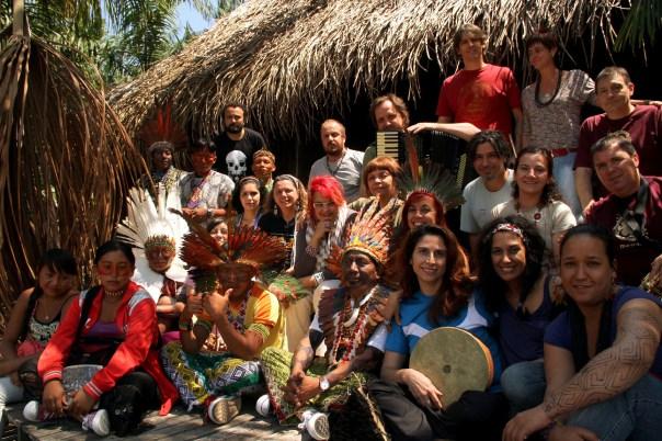 Mawaca and  the Kaxinawá Indians, Acre (photo: Eduardo Vessoni)